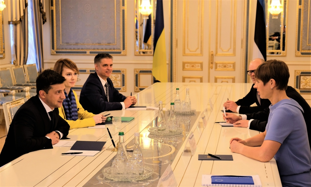 Kaljulaid rõhutas Zelenskõiga kohtumisel korruptsioonivastase võitluse tähtsust