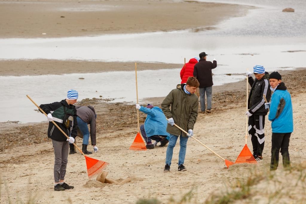Eesti suurimatest rannatalgutest osa hinnanguliselt ligi 350 inimest! Stroomi rannatalgute käigus korjati 10 tonni prügi