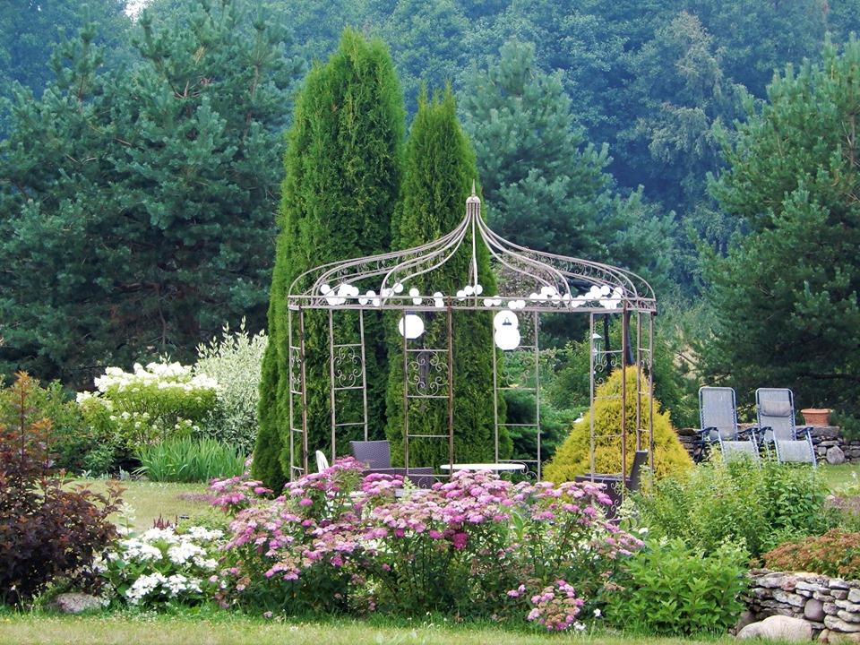 Nõmmiku Hobihäärber avab tervendava aia külalistele