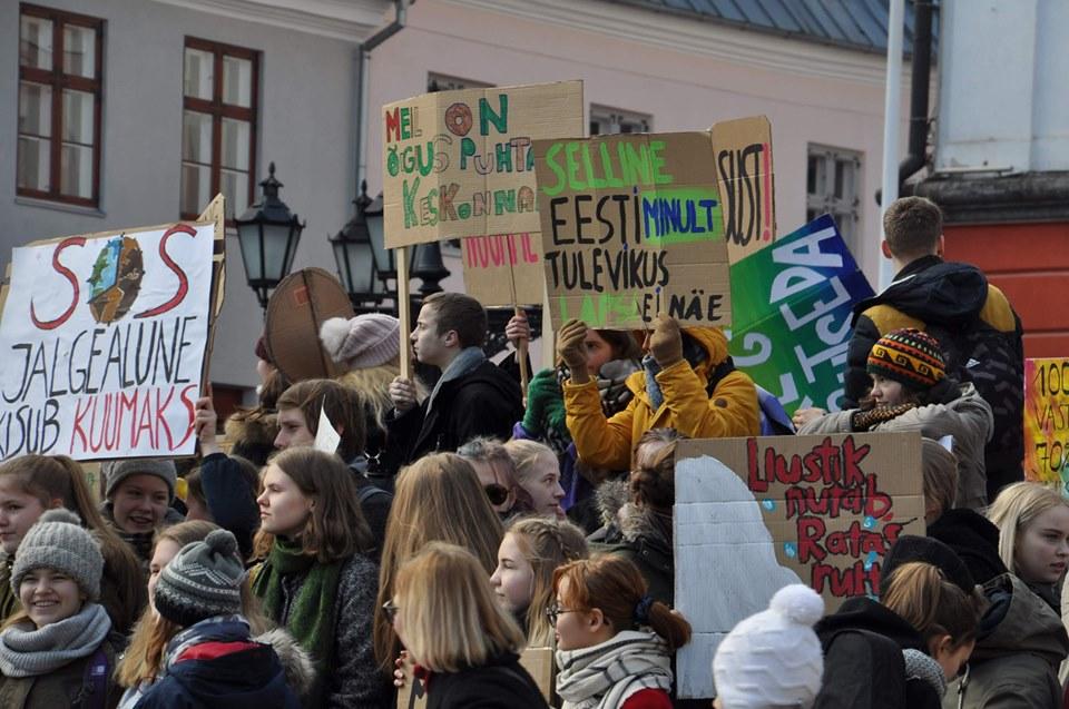 Eesti õpilased teevad keskkonnahoiu nimel taas meeleavalduse