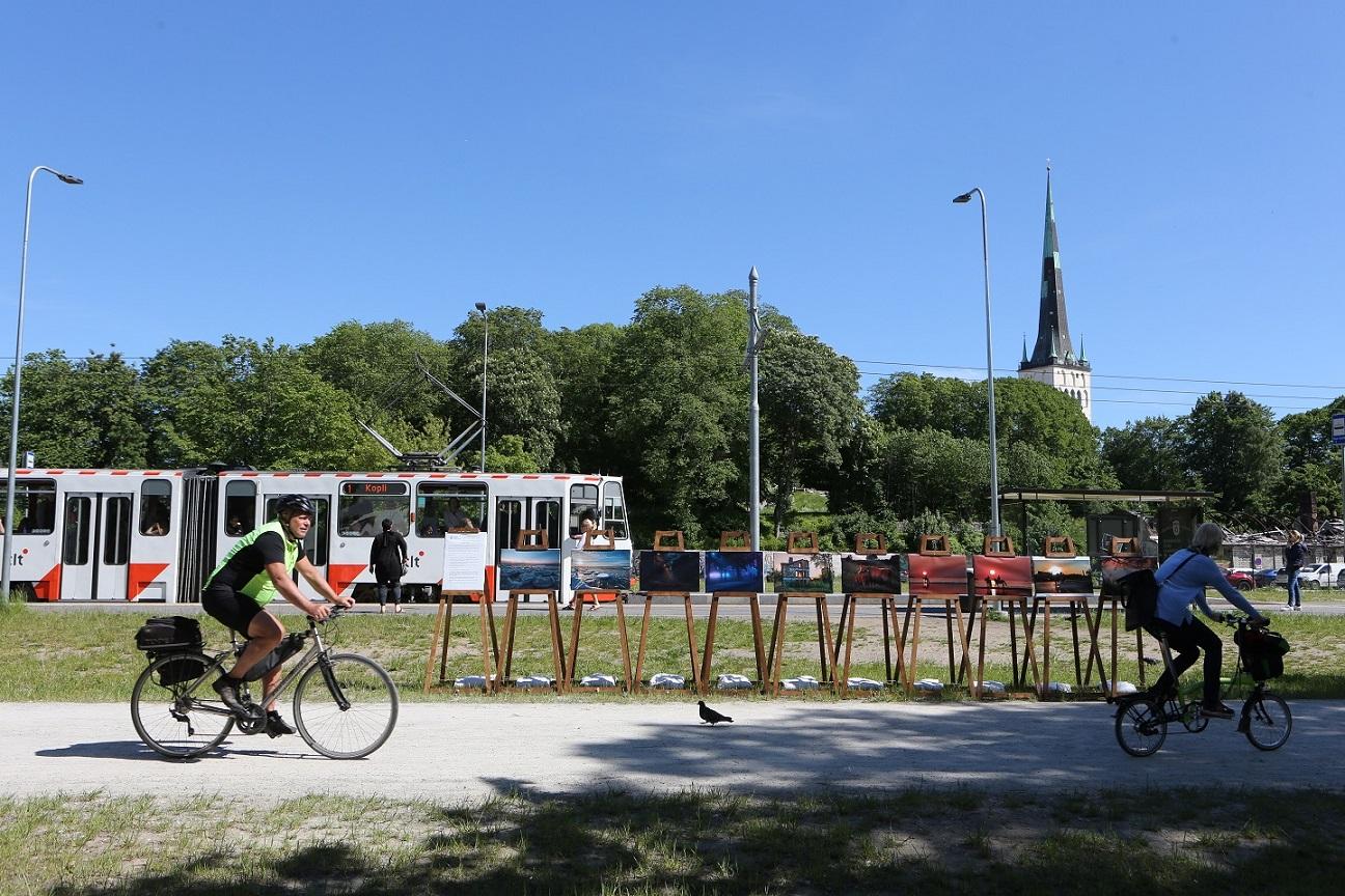 Fotokunst vallutas Põhja-Tallinna tänavad