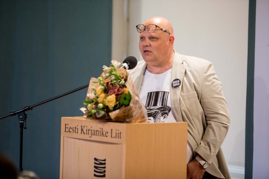 PALJU ÕNNE, PAAVO I Eesti Kirjanike Liidu romaanivõistluse võitis Paavo Matsin