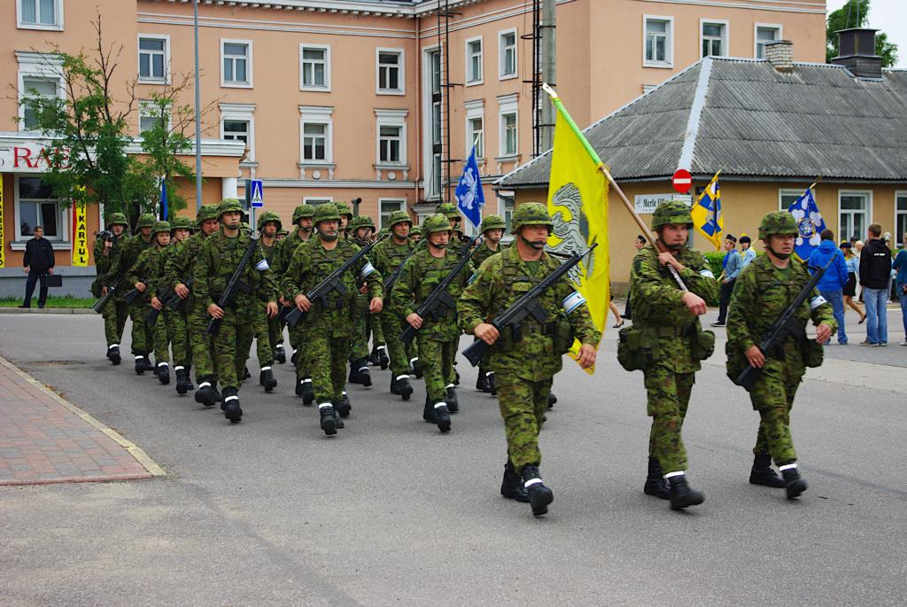 KAITSEVÄE AKADEEMIA I Kaitsevägi sai juurde üheksa staabiveeblit