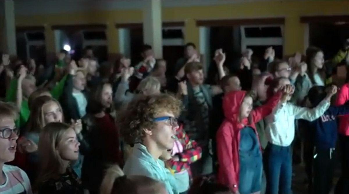 TORE suvekoolis tähistati Balti keti 30. aastapäeva