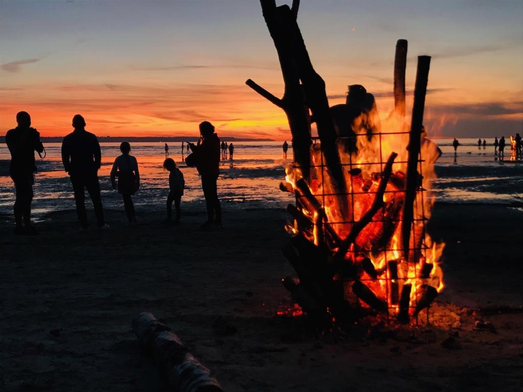 MEIE MAA TULI I Kakumäe rannas pakkusid silmailu kümned muinastuled