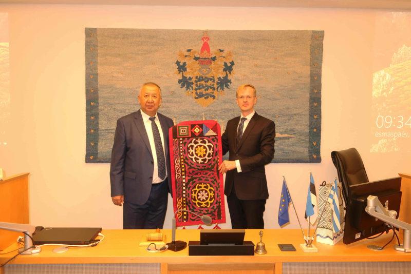 Tallinna linnavolikogul käis külas Kõrgõzstani asepeaminister
