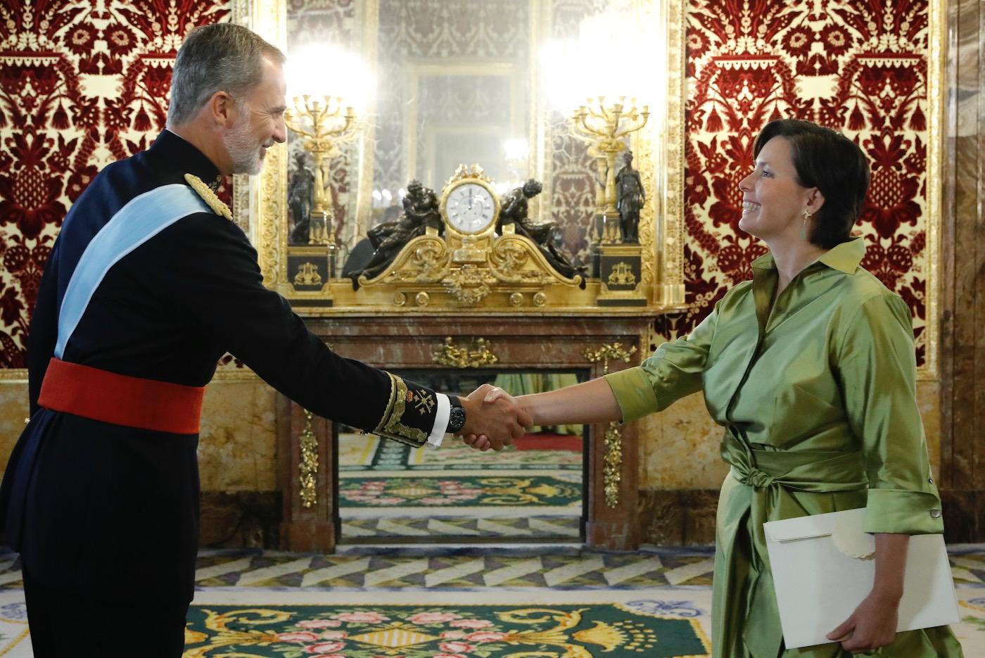 Eesti suursaadik Hispaanias Mariin Ratnik andis volikirja kuningas Felipe VI-le