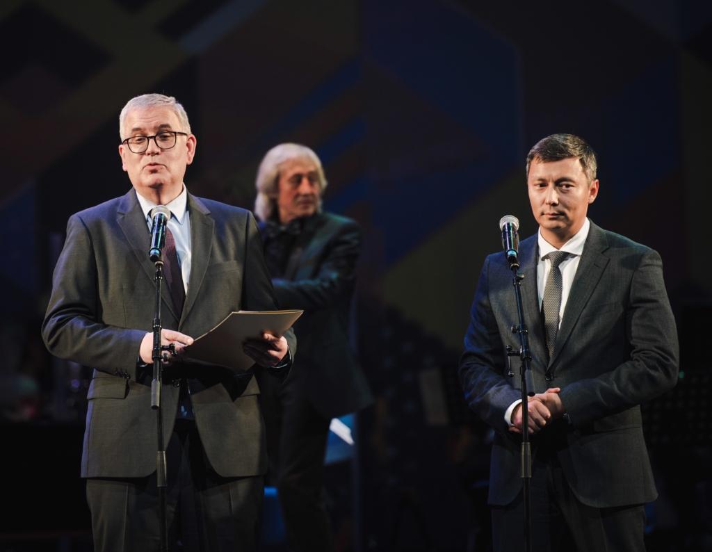 Peterburi kohtumised Tallinnas avati galakontserdiga Alexela kontserdimajas
