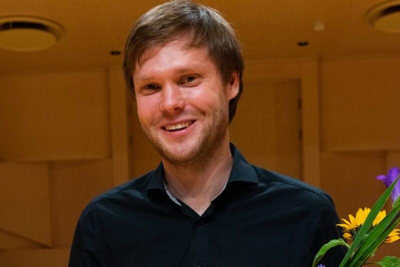 Eesti noorte koorijuhtide konkursi võitis helilooja ja dirigent Pärt Uusberg