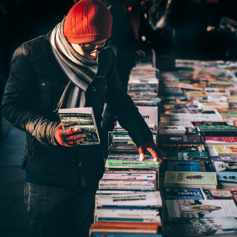 Mustamäel jagatakse tasuta raamatuid