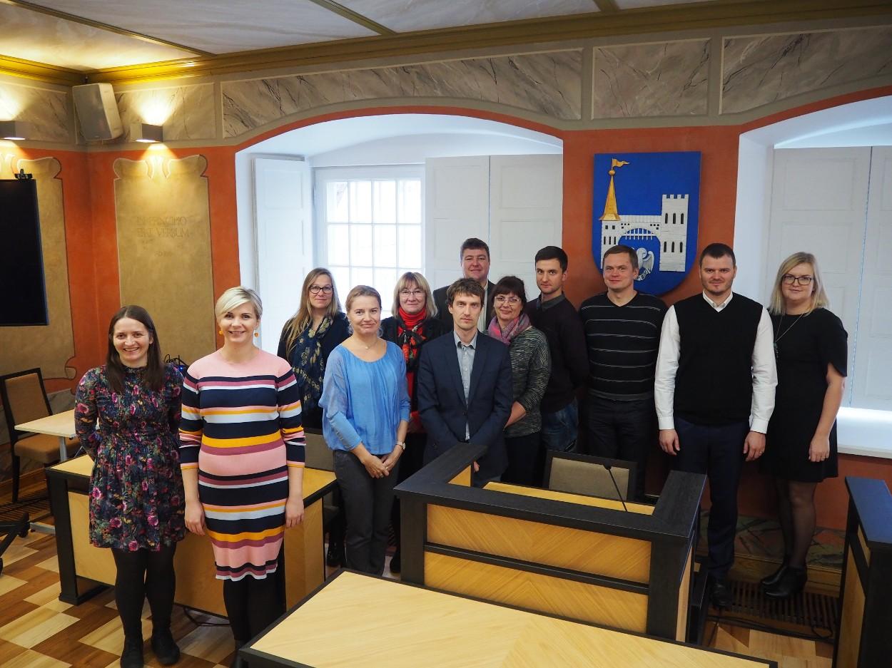 Hiiumaa valla juhtkond käis õppereisil Saaremaal