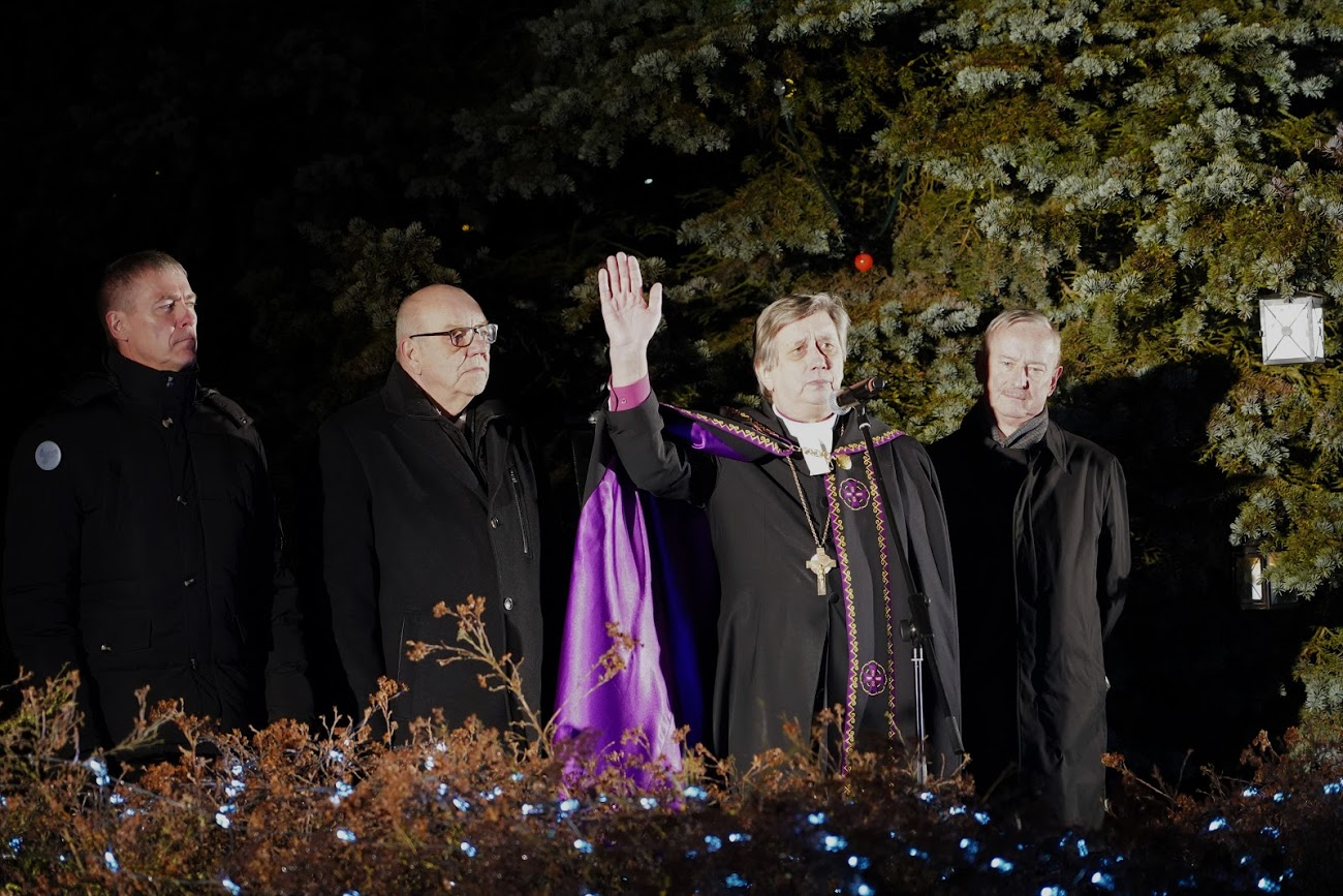 Piiskop Joel Luhamets kuulutas Jõgeval välja jõulurahu kogu Eestimaale