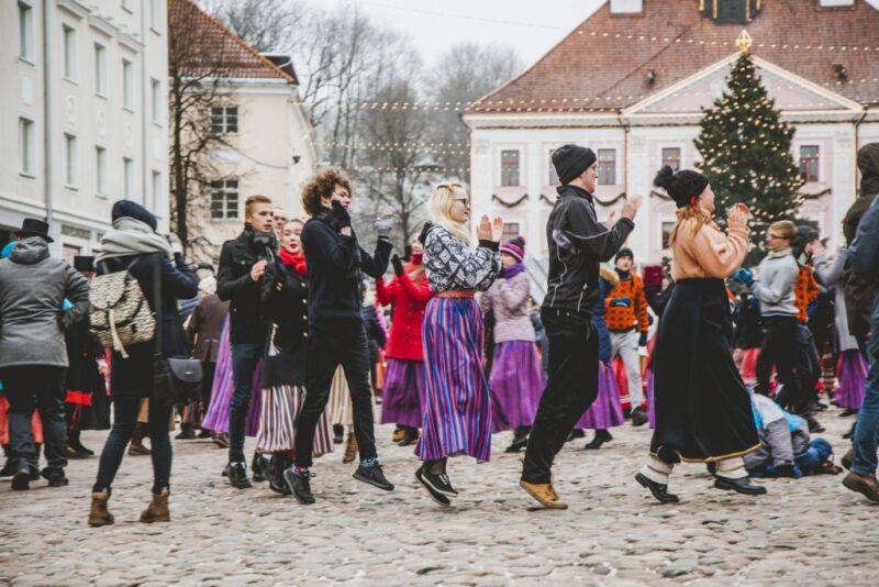 TARTU TANTSIB I Tartu talvise tantsupäeva kavas on 14 lemmikut