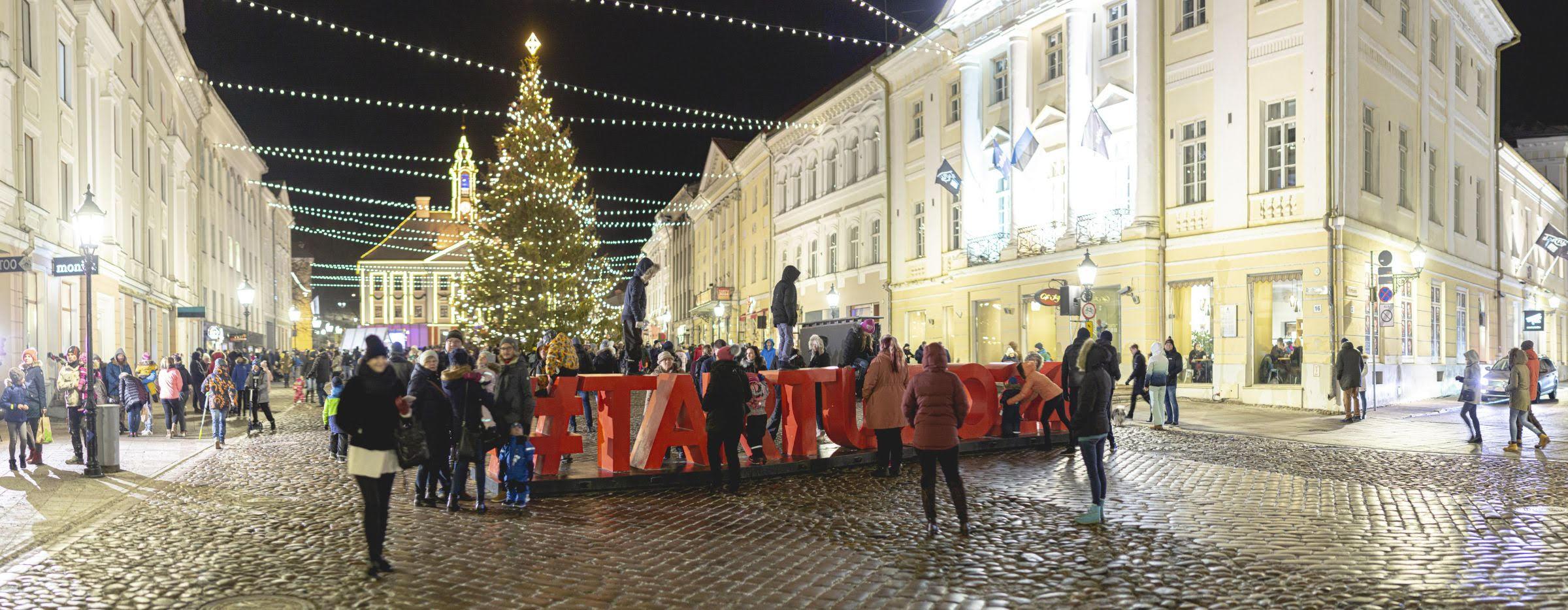 Teisel advendil peetakse Tartus jõuluvanade talimänge