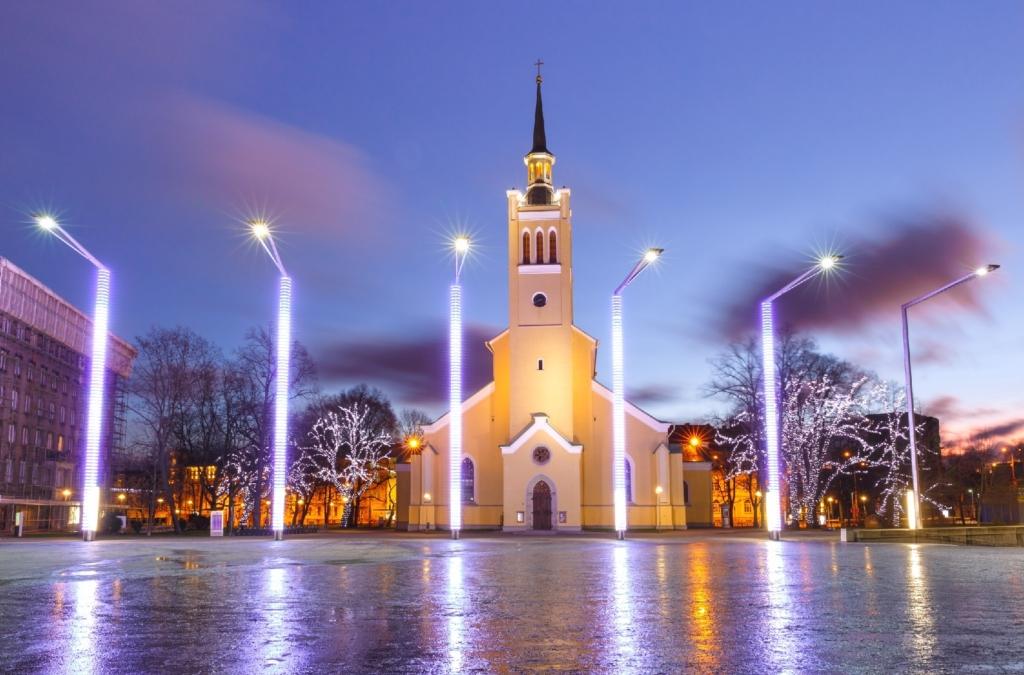 FOTOD I Tänasest on Eesti jõuluehteis! Ivari Roosileht: eestlased eelistavad jõuluajal põhjamaiselt minimastlikku joont hoida