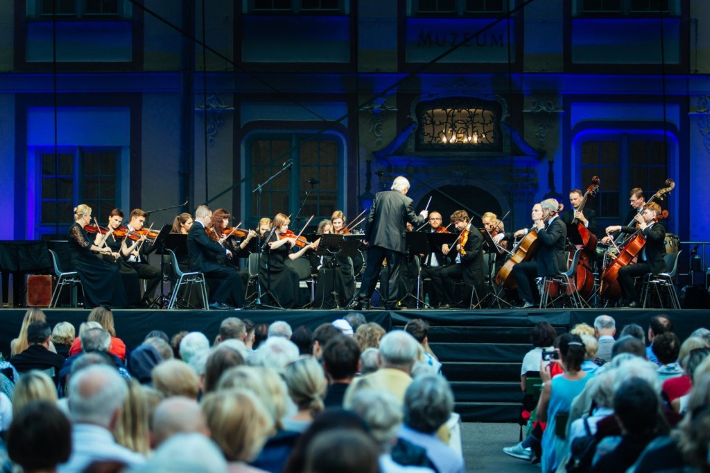 Tallinna Kammerorkester ja dirigent Juha Kangas – foto Renata Dabrowska