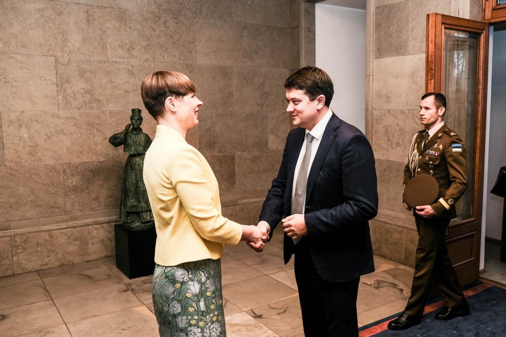 Kersti Kaljulaid ja Dmõtro Razumkov3