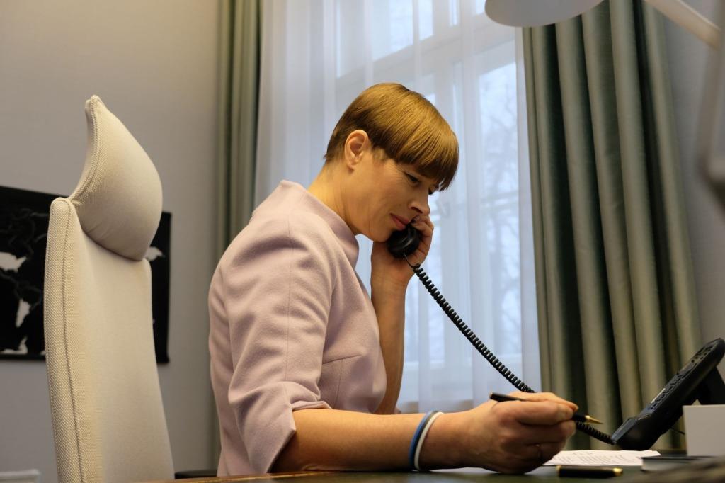 Kaljulaid_telefonivestlus
