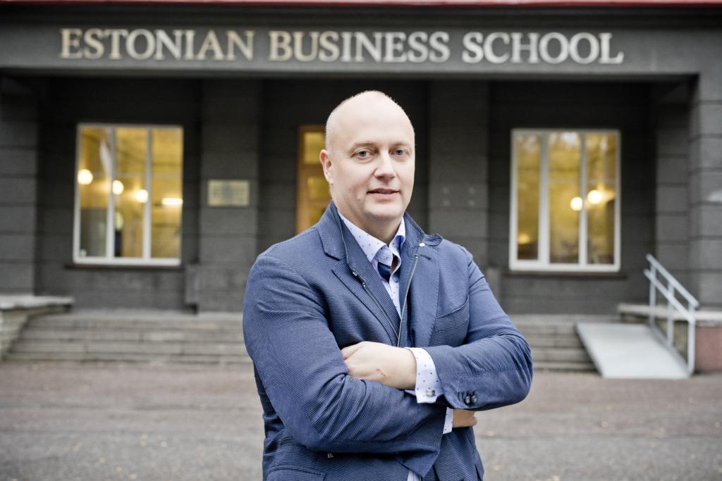 ARVAMUS I Mart Habakuk: Eesti koolid tuleb viia ühtsele pilvepõhisele virtuaalõppeplatvormile