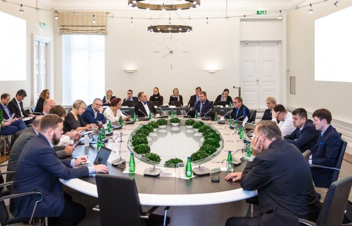 Valitsus lubab Eesti välissuhtluseks vajalikud delegatsioonid lihtsustatud korras riiki