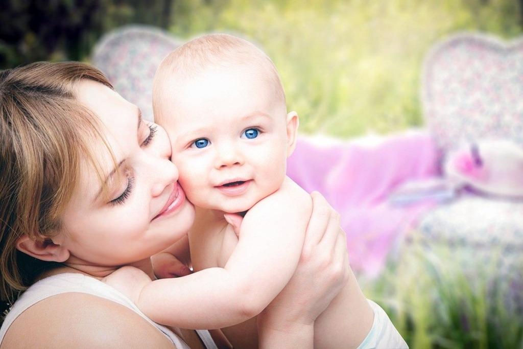 Rahvastikuminister Riina Solman soovib, et enneaegselt sündinud laste emasid koheldaks võrdselt tähtaegselt sündinud laste emadega
