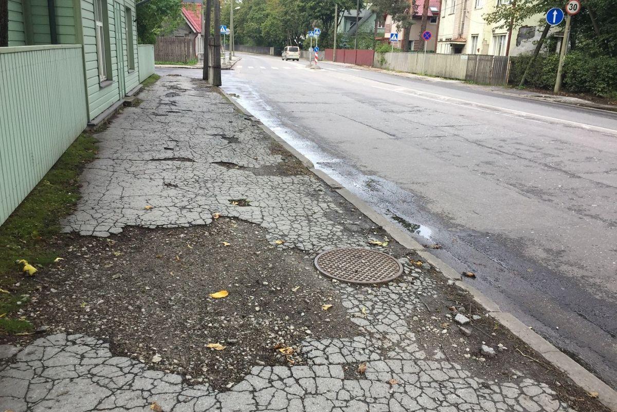 OLE TEADLIK I Nõmmel alustatakse Pärnu maantee kõnnitee taastusremonttöödega