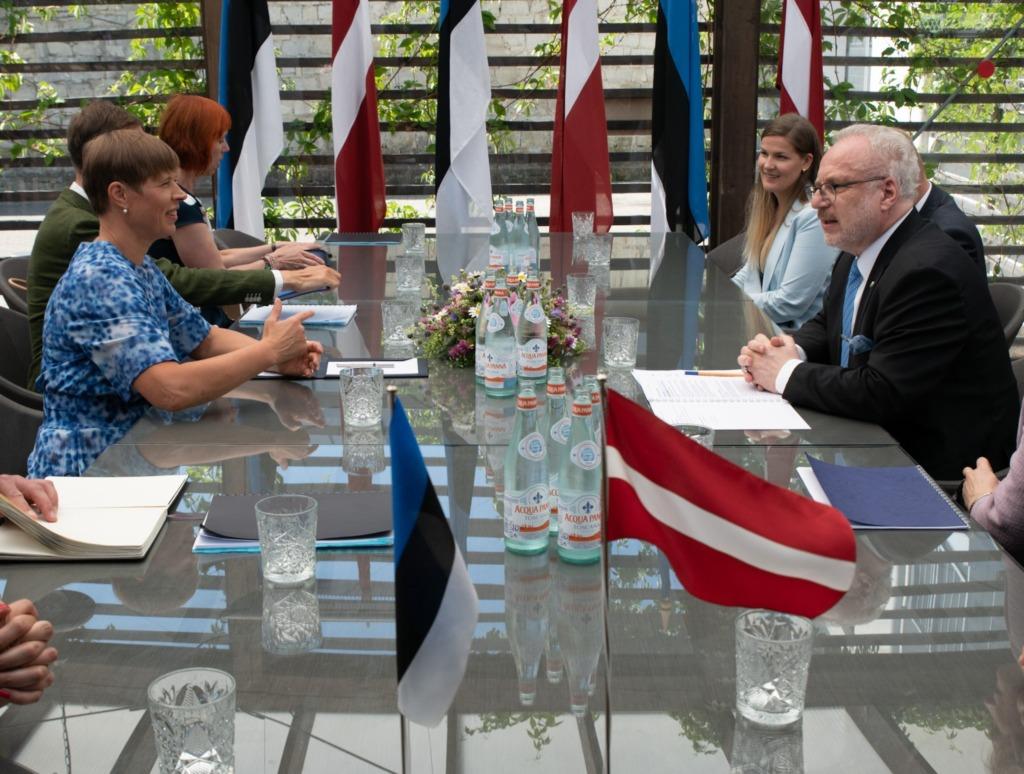 TUGEV KOOSTÖÖ I President Kaljulaid Läti kolleegile: kriis tõi hästi esile meie riikide tugeva koostöö