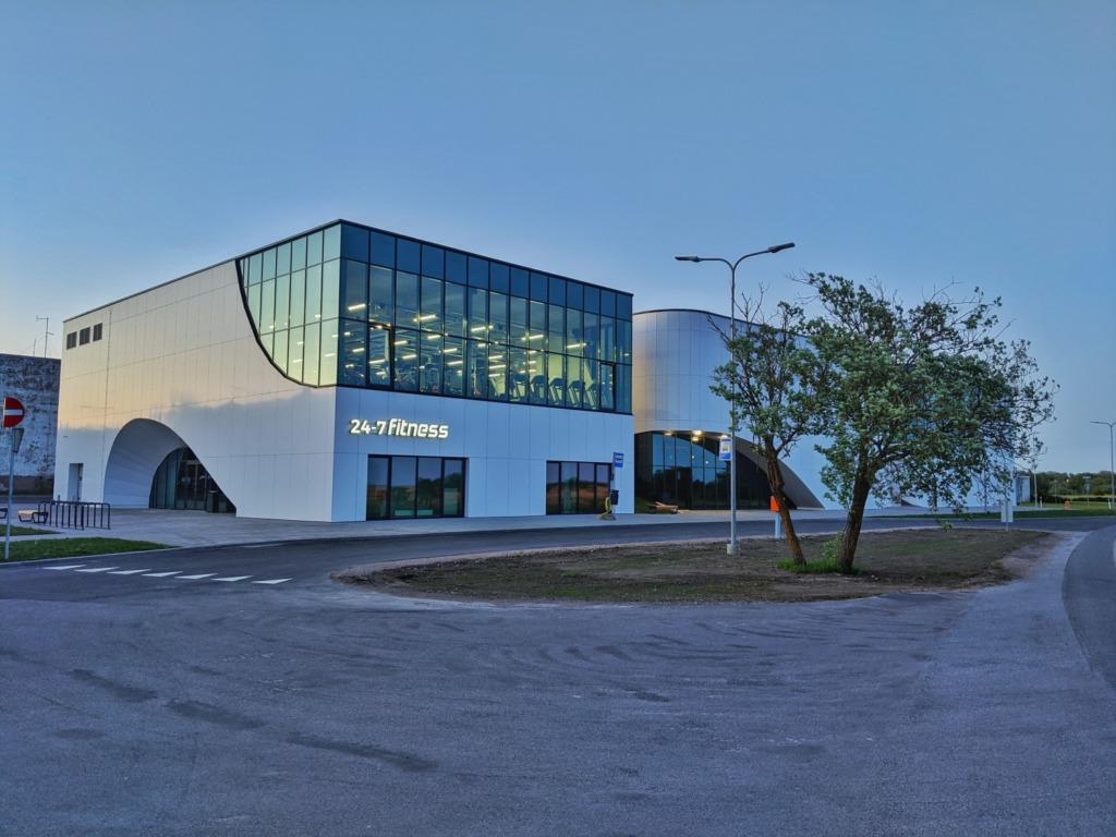 WOW KESKUS I WOW meelelahutuskeskuses avab uksed Kuressaare teine Selveri kauplus