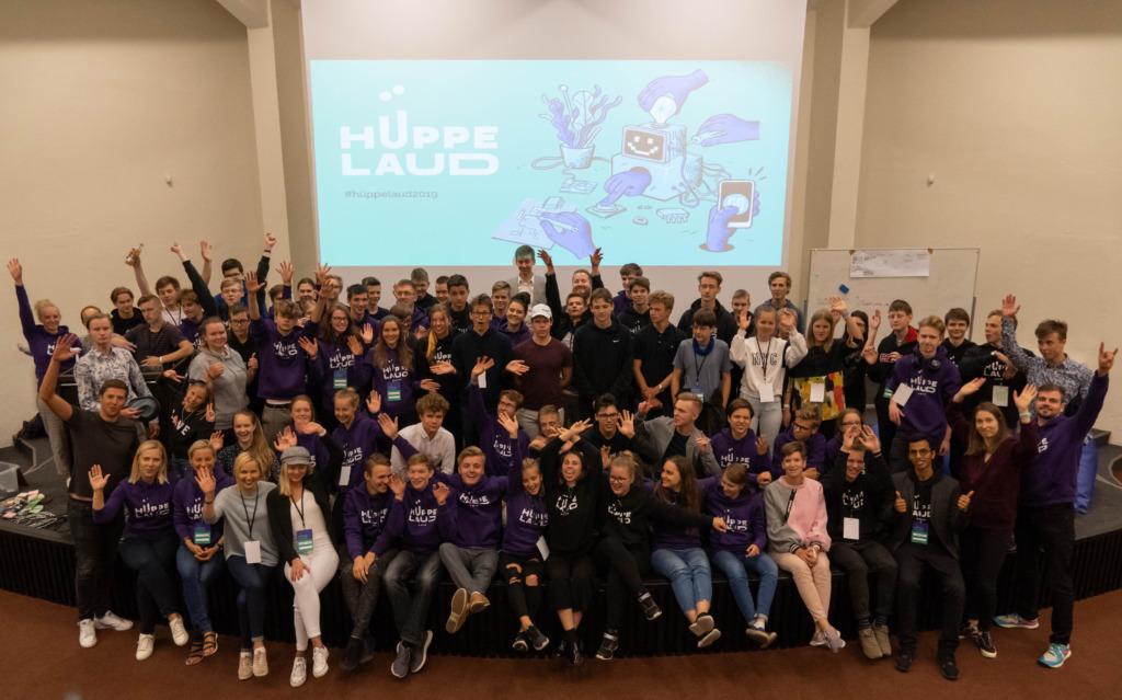 HÜPPELAUD I Virtuaalses leiutajate suvekoolis Hüppelaud edendavad noored digiõpet