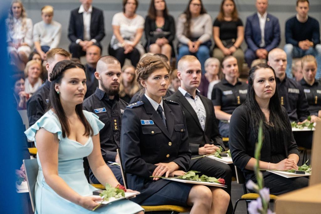 SISEKAITSEAKADEEMIA AKTUS I Politsei- ja Piirivalveamet sai täna Sisekaitseakadeemiast 41 uut kolleegi