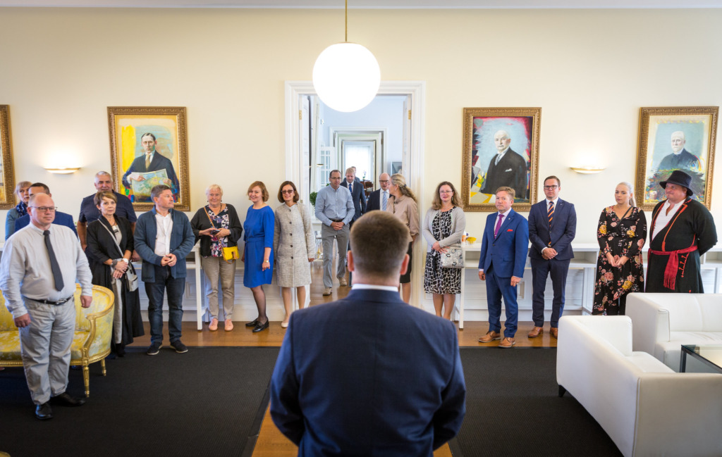 FOTOD I Peaminister Jüri Ratas tänas tublimaid piirkonnaelu edendajaid Regionaalmaasikatega