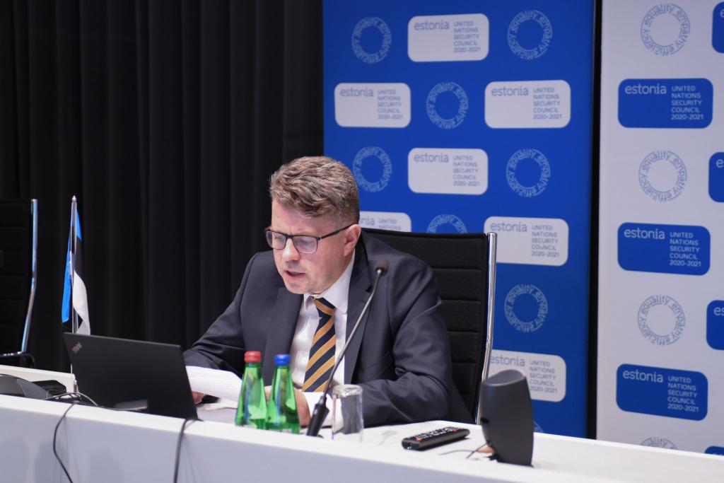 Erikomisjon arutab riigikaitsekulusid ja parlamendi otsustuspädevust riigi raha kasutamisel
