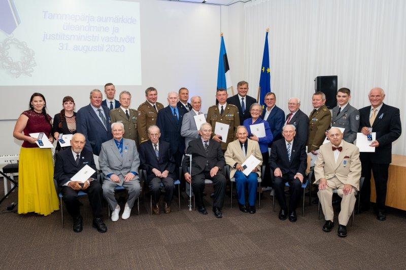 Justiitsminister Vabaduse Tammepärja aumärkide jagamisel: meie ühine kohus on teha kõik selleks, et rahvas oma kangelasi ei unustaks