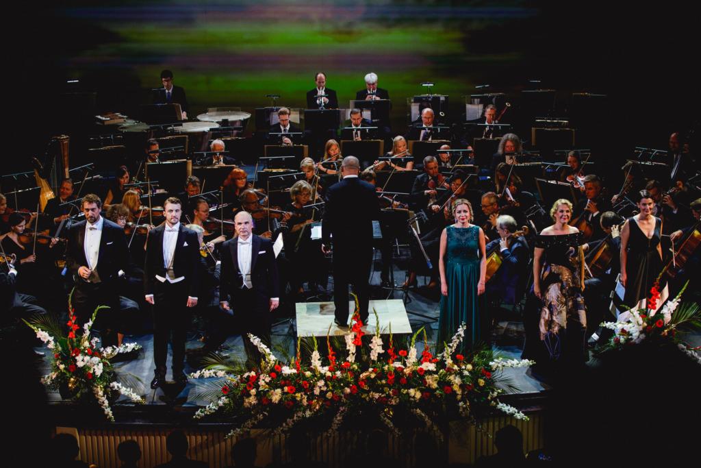 GALERII I Marulise aplausiga avati Rahvusooper Estonia 115. hooaeg