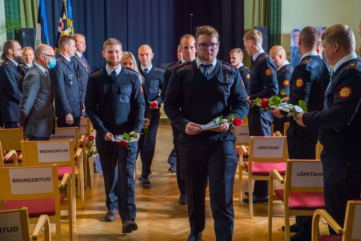 Eesti sisejulgeoleku read said Sisekaitseakadeemiast täienduse 30 värske päästja näol