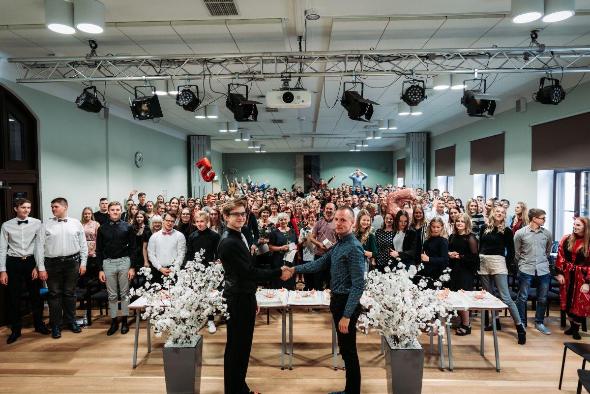 TUNNUSTUS I Aasta kool 2020 on Võru Gümnaasium