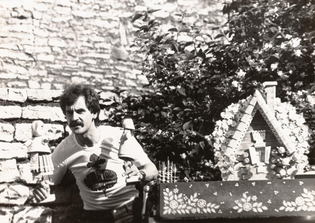 """Urmas Alender monolavastuses """"Naeris naeris"""", 1984. Teatri- ja Muusikamuuseum3"""