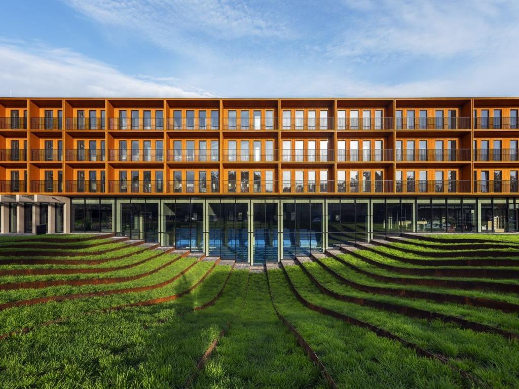 INIMESTELE HEAKS ÄRAOLEMISEKS MÕELDUD I Arhitektuuripreemiatega tunnustati 20 laureaati