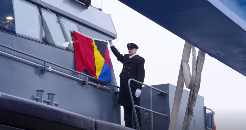 VIDEO I Saaremaal ristiti kohalikus laevatehases uued mereväe kaitsekaatrid