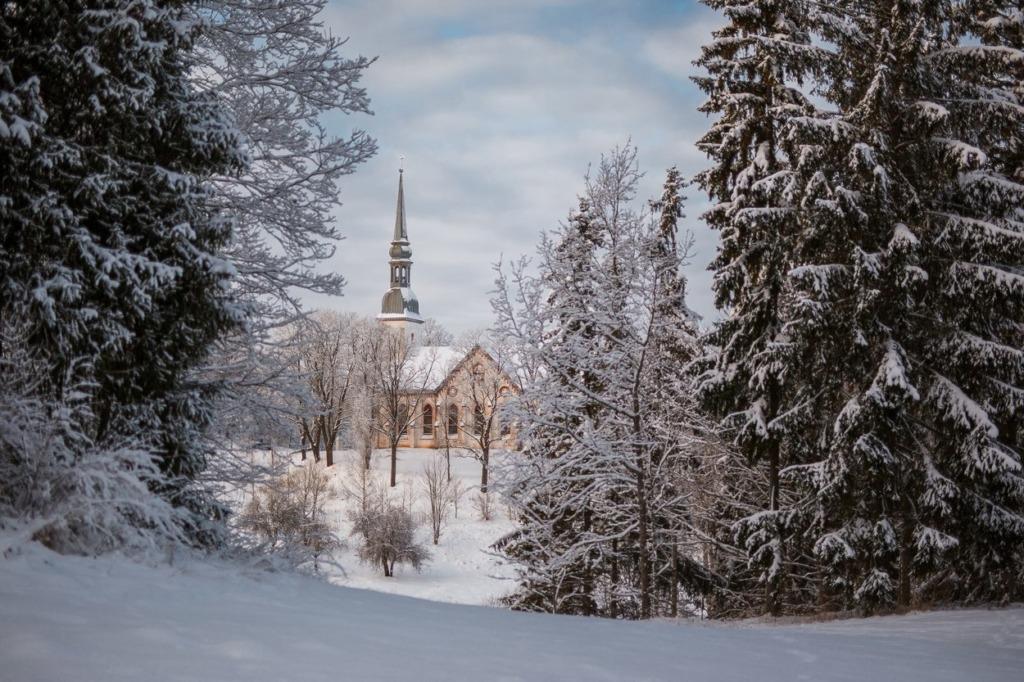 Otepää valla kirikud saavad jõulujumalateenistuste pidamiseks maske