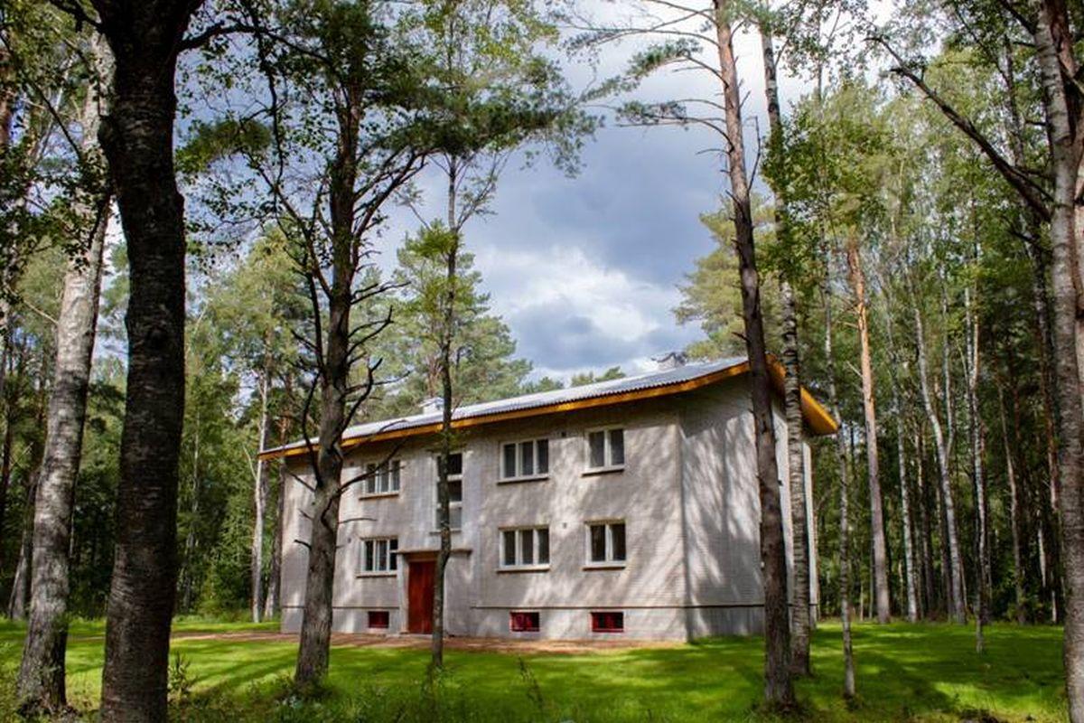 kolhoosimaja Eesti Vabaõhumuuseumis