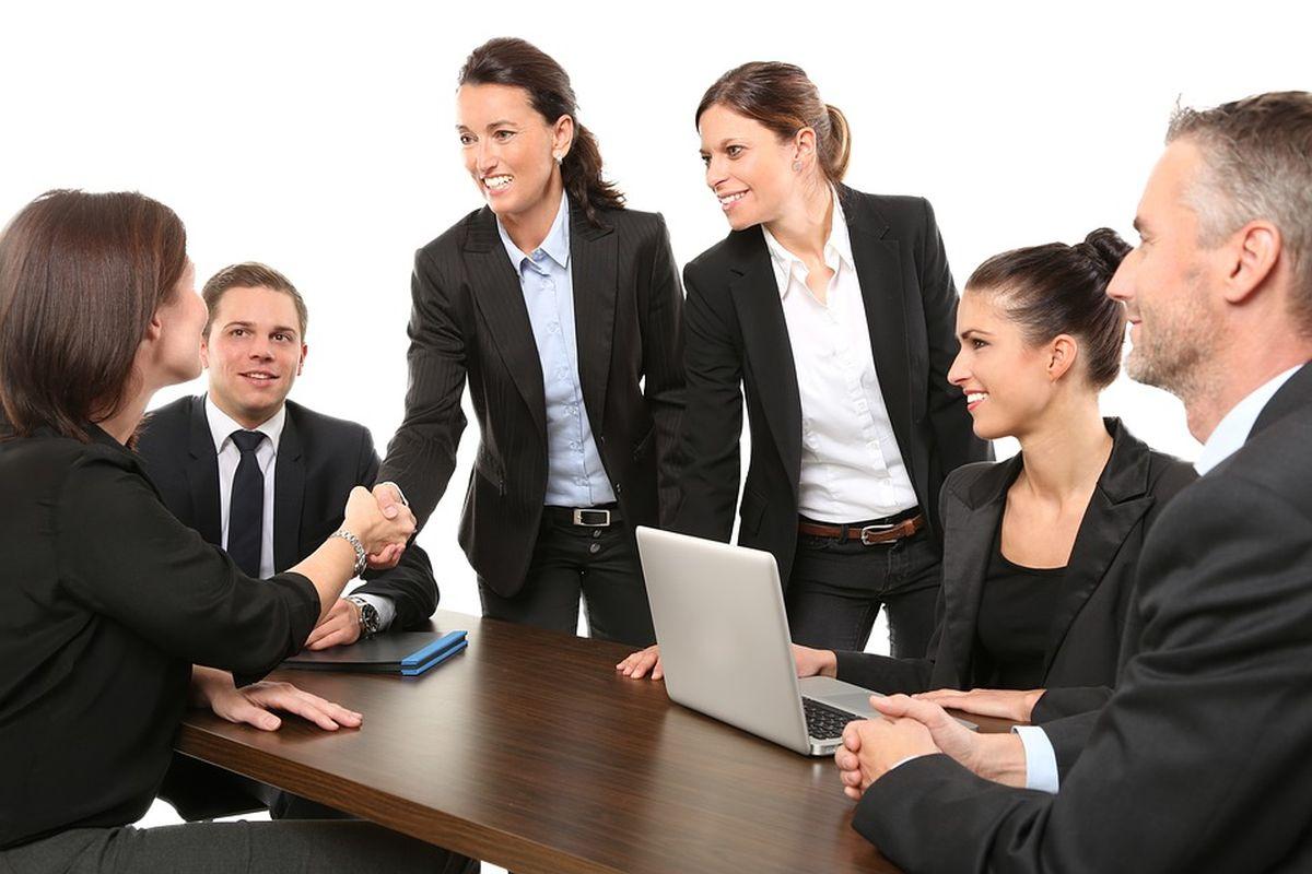 naised-töö-äri