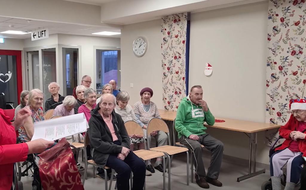 VIDEO I Eakad tähistasid pühasid vokaalansambli moodustamisega