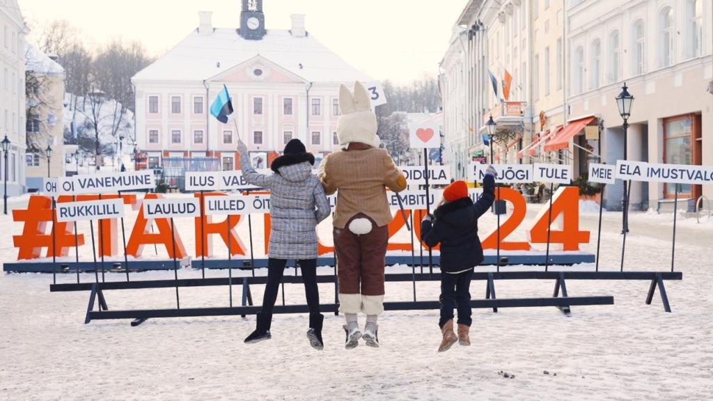 EV103 sõnapusle Tartu Raekoja platsil