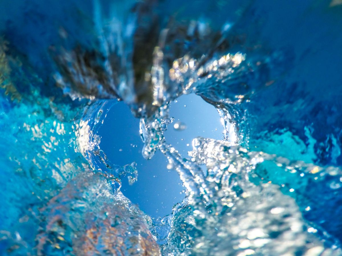 Sky,Seen,Through,The,Wave,Shot,From,Under,Water