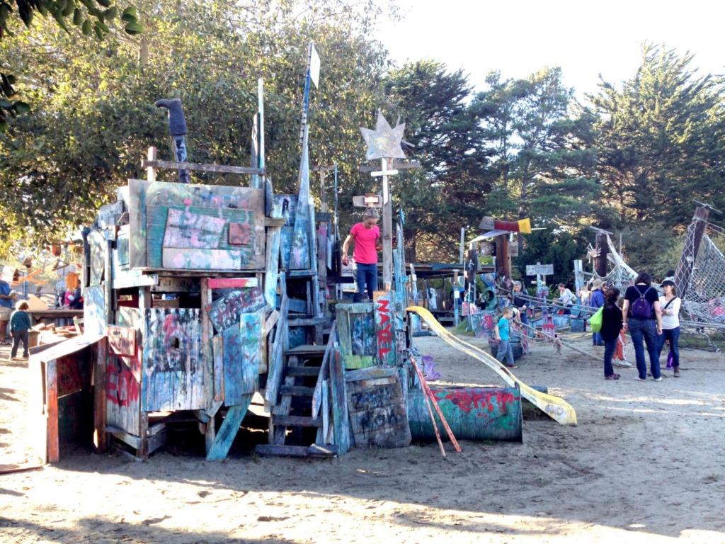 Lapsed ehitavad Koplisse ise mänguväljaku