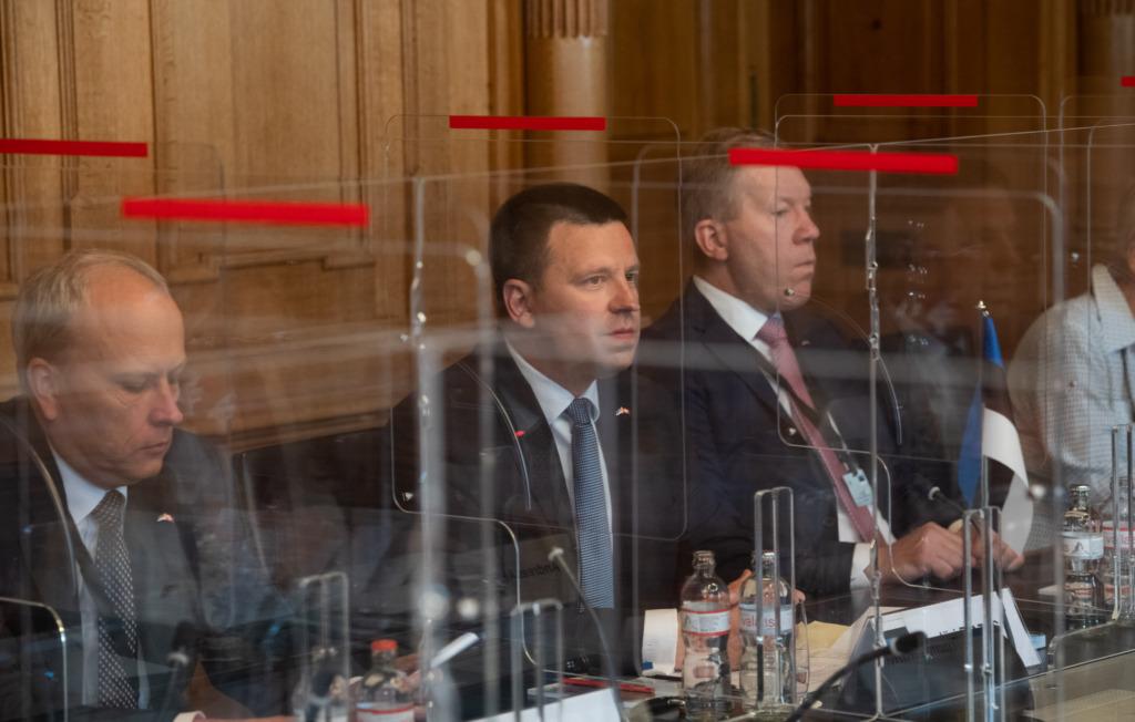 Jüri Ratas arutas Šveitsi ametikaaslasega kahepoolsete suhete tihendamise võimalusi