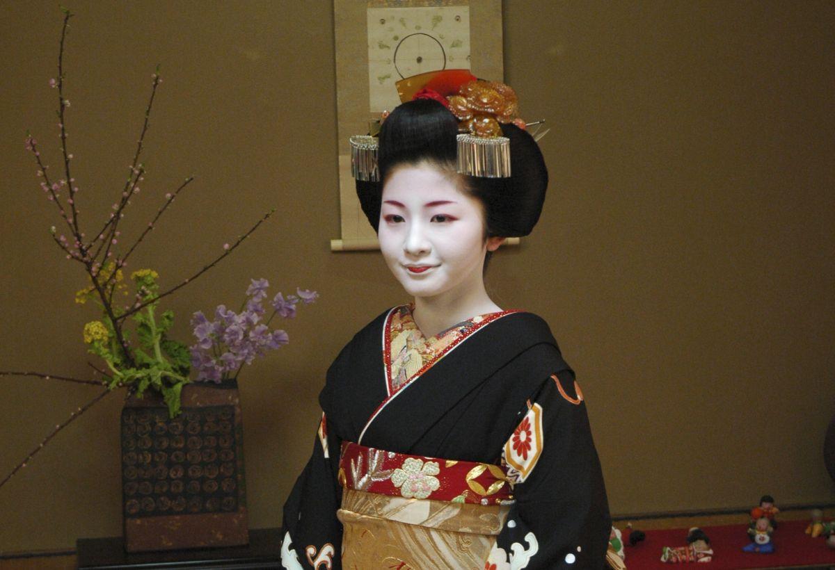 Adamson-Ericu muuseumis avatakse efektne kimononäitus