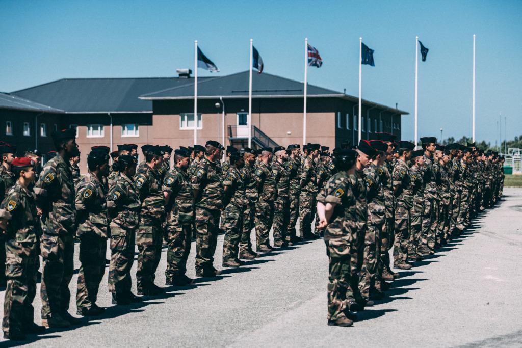 Kaitseminister andis medalid Tapal teenivatele prantsuse sõduritele