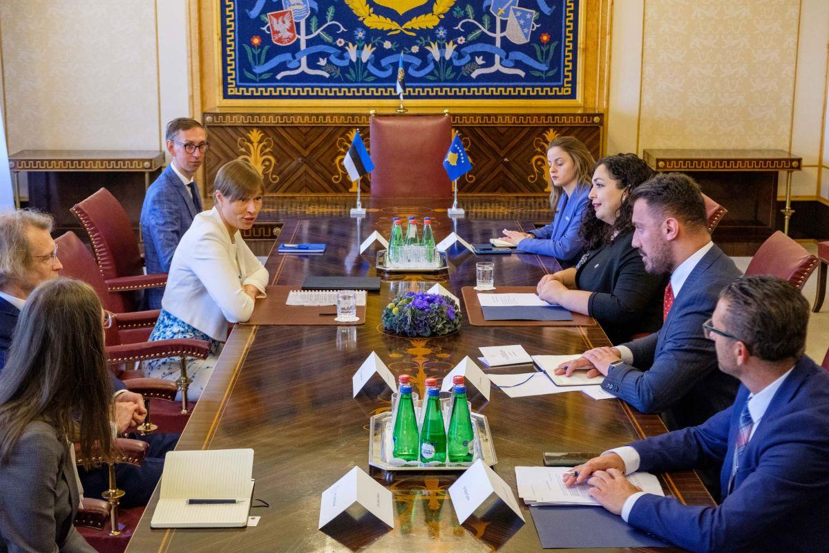 Vjosa Osmani-Sadriu ja Kersti Kaljulaid